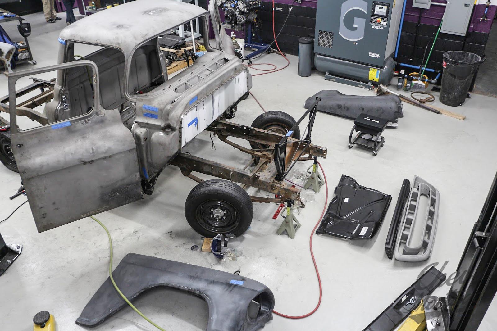 Bogi 39 s garage chevy montage for Montage piece auto garage