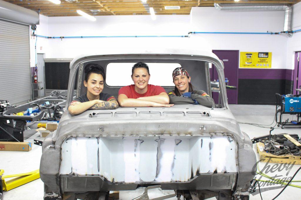 Bogi 39 s garage chevy montage gallery for Montage piece auto garage